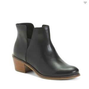 Cole Haan Black leather all Day Comfort Booties